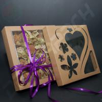 Коробка 190(160)*190(160)*35 мм с узором сердце+цветы на крышке
