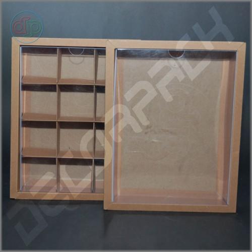 Коробка 230(200)*180(150)*35 мм  с прозрачной крышкой и комплектом разделителей на 12 изделий