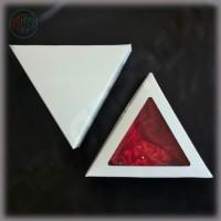 Коробка треугольник 140*140*140*40 мм  с высотой крышки 25 мм