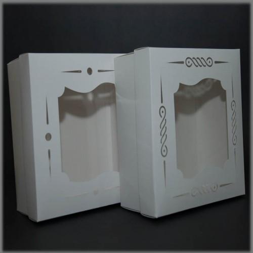 Коробка для торта с окном (фигурный вырез_2) 200*200*100 мм