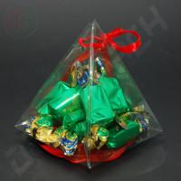 Бонбоньерка 100*100*120 мм  (Пирамида, пластиковая)