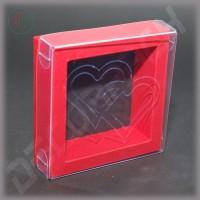 """Коробка красная 90(70)*90(70)*25 мм с прозрачной крышкой и тиснением """"Сердца"""""""